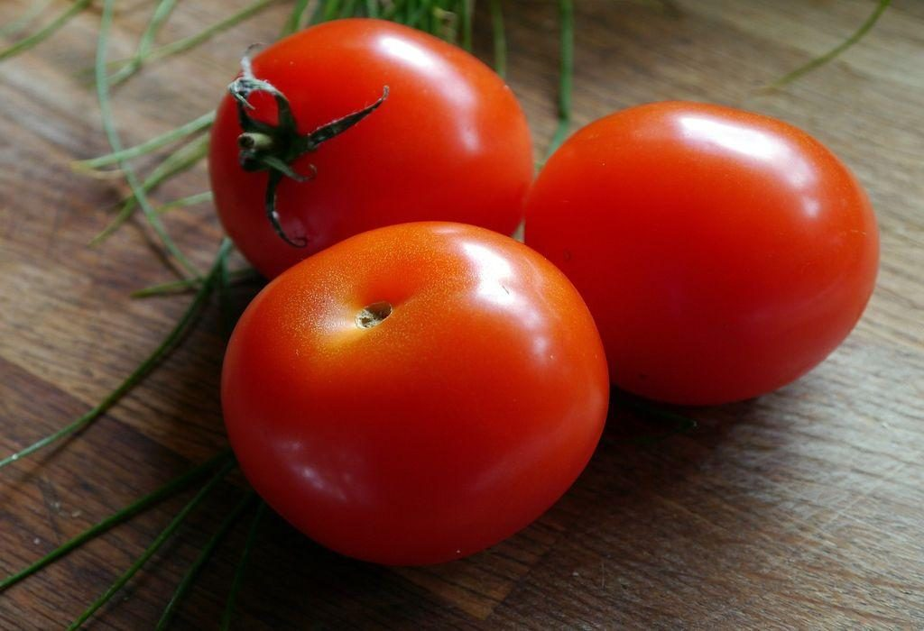 Tomato for glowing skin