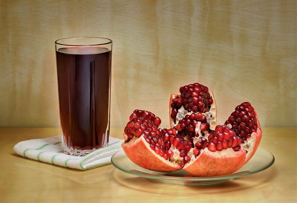 pomogranate juice for skin