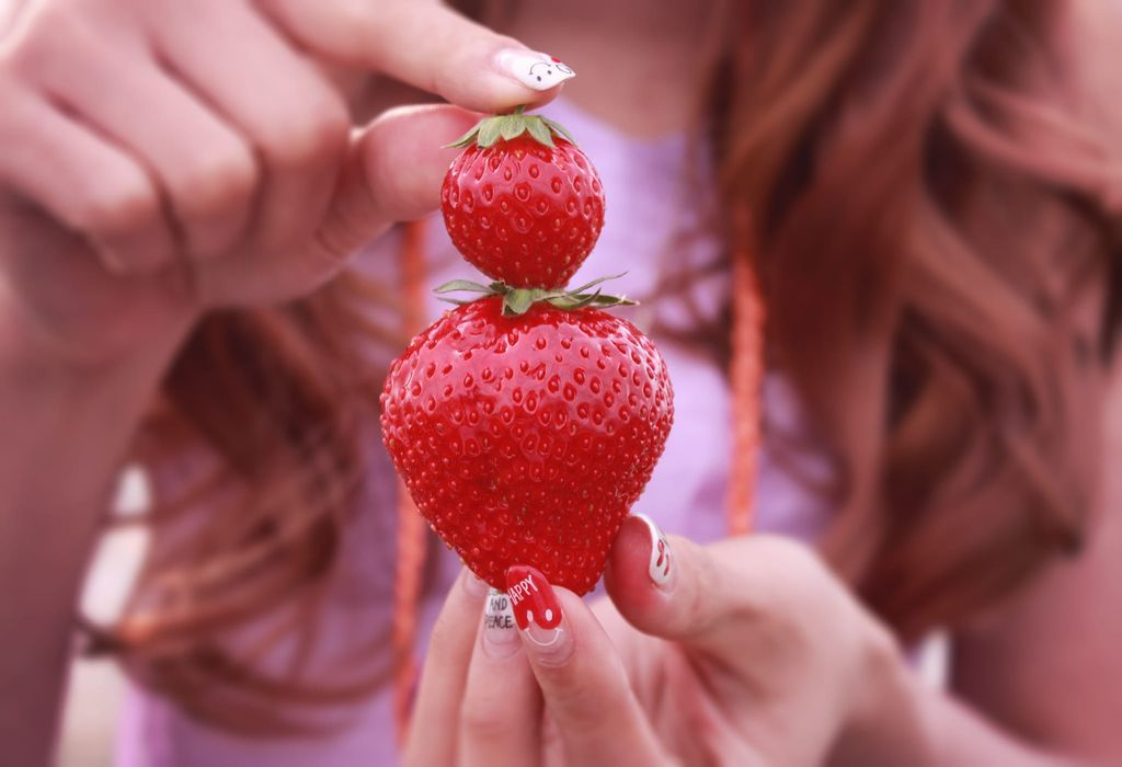 strawberry for skin
